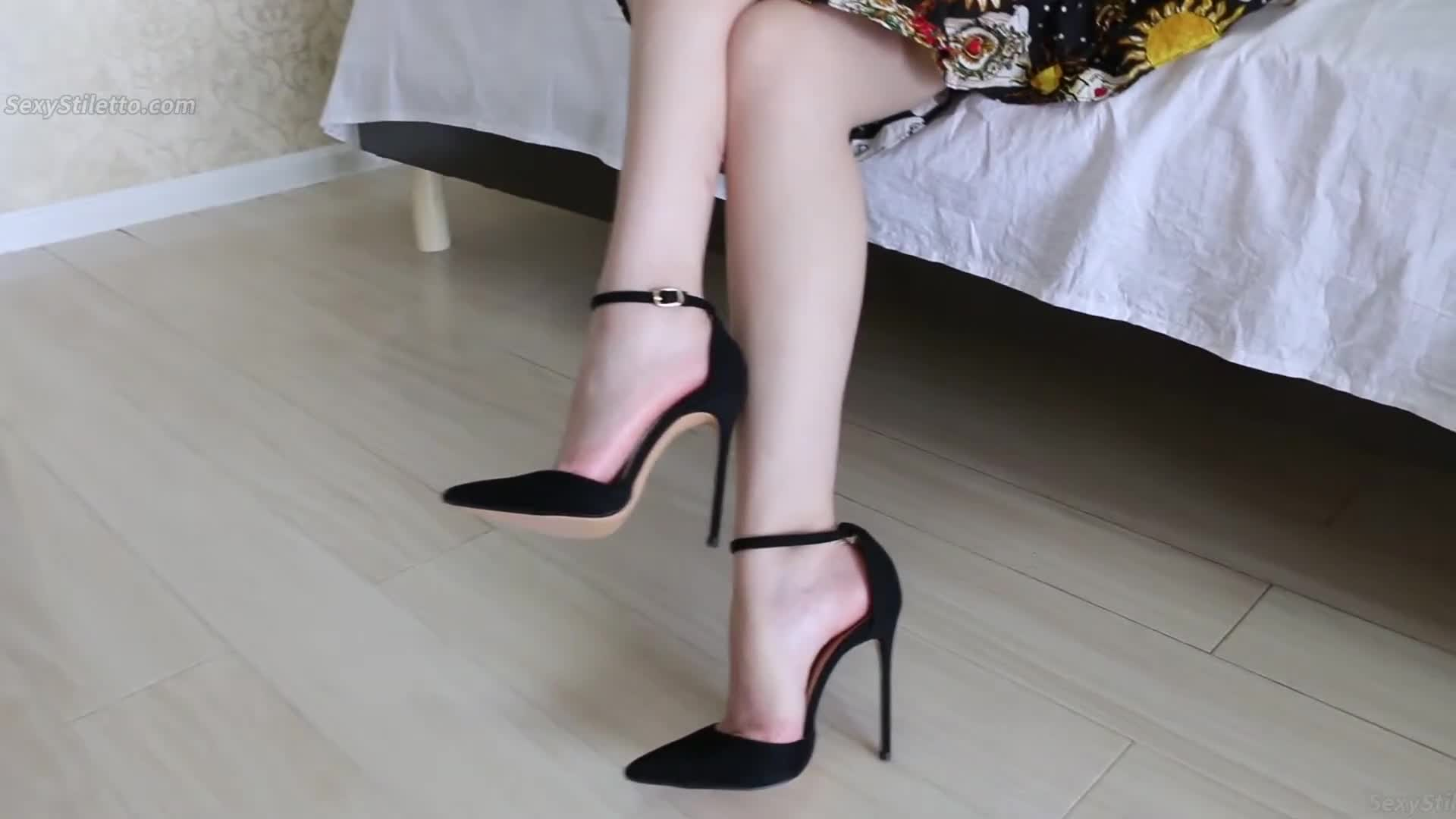 Sexy High Heels & Foot Fetish from ASIAN Part 112