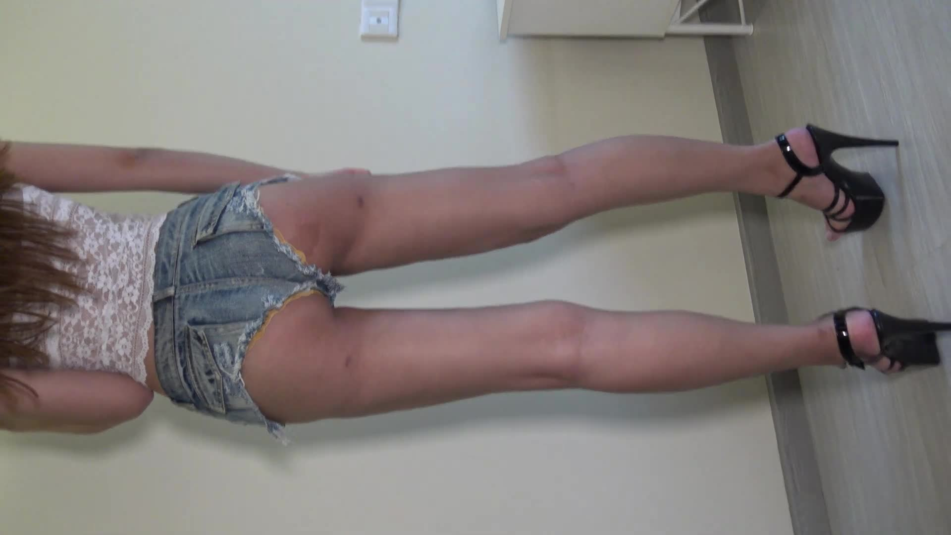 4K 美臀牛仔热裤美女 2 Sexy Blue Tight Jean Shorts Beauty
