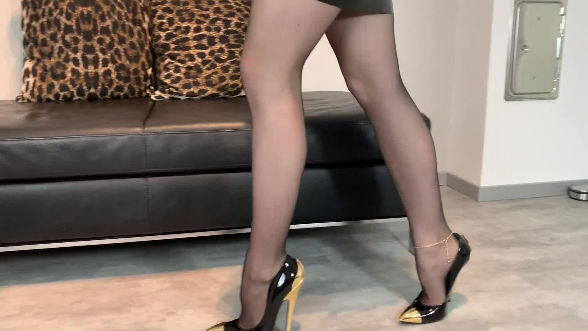 Bupshi - gold and black heels