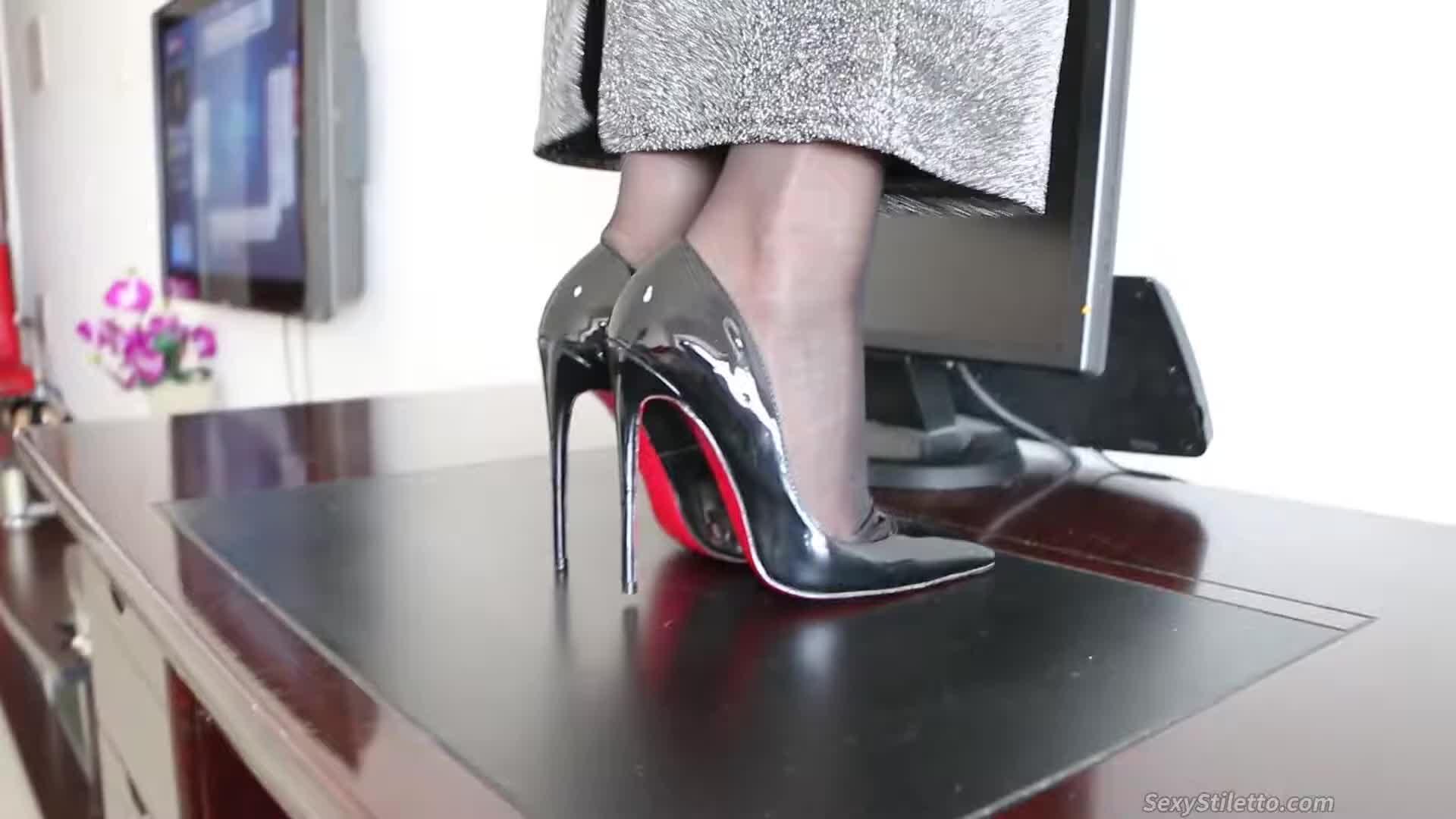 Sexy High Heels & Foot Fetish from ASIAN Part 105
