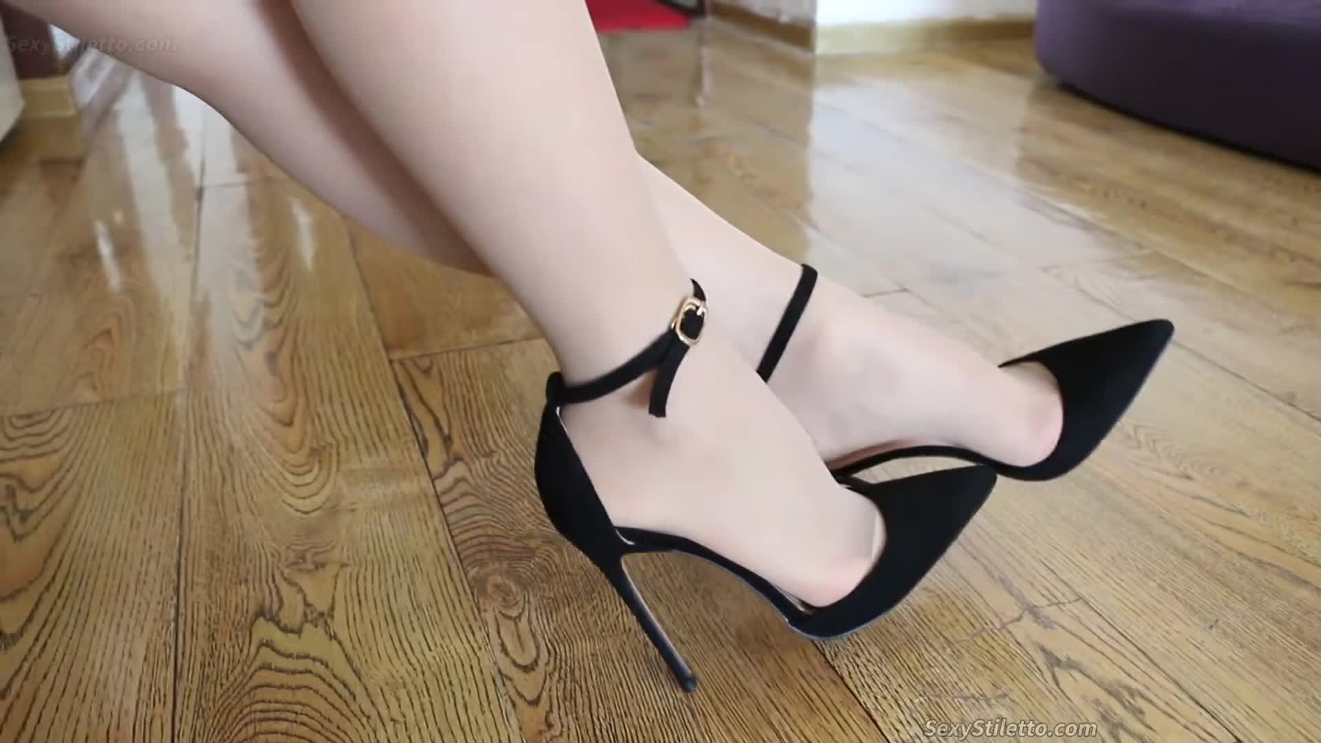 Sexy High Heels & Foot Fetish from ASIAN Part 110