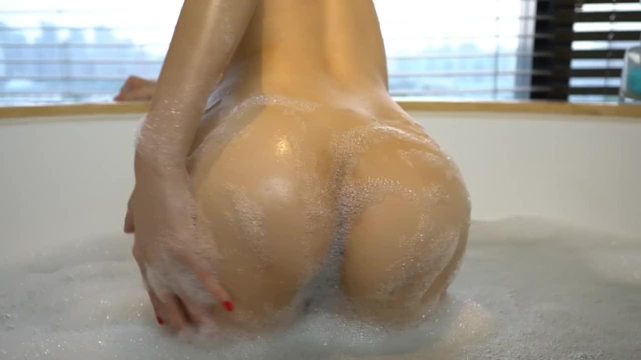 Chinese Model 周妍希 Alice Zhou - Nude Shoot BTS Raw 02