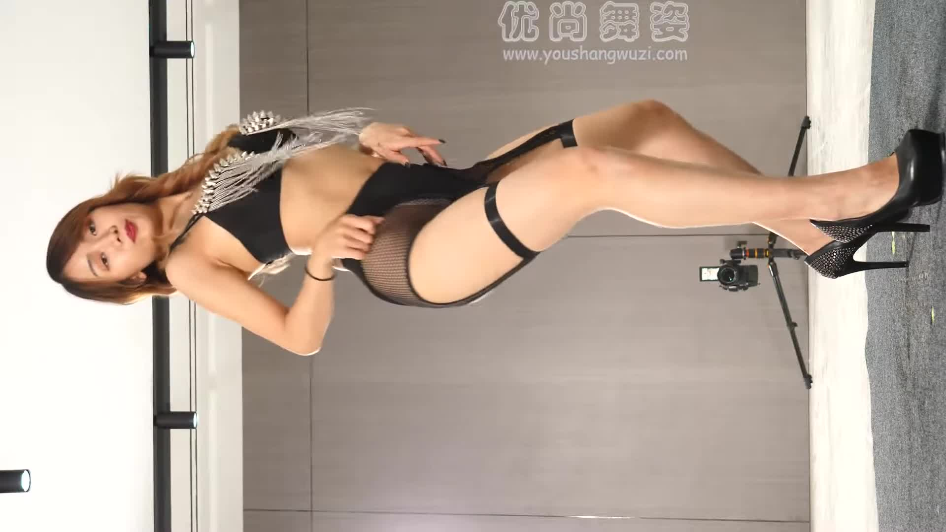 Youshang Dance Ding Ding Lingerie and Stockings Hot Dance Who suffers this kind of dance